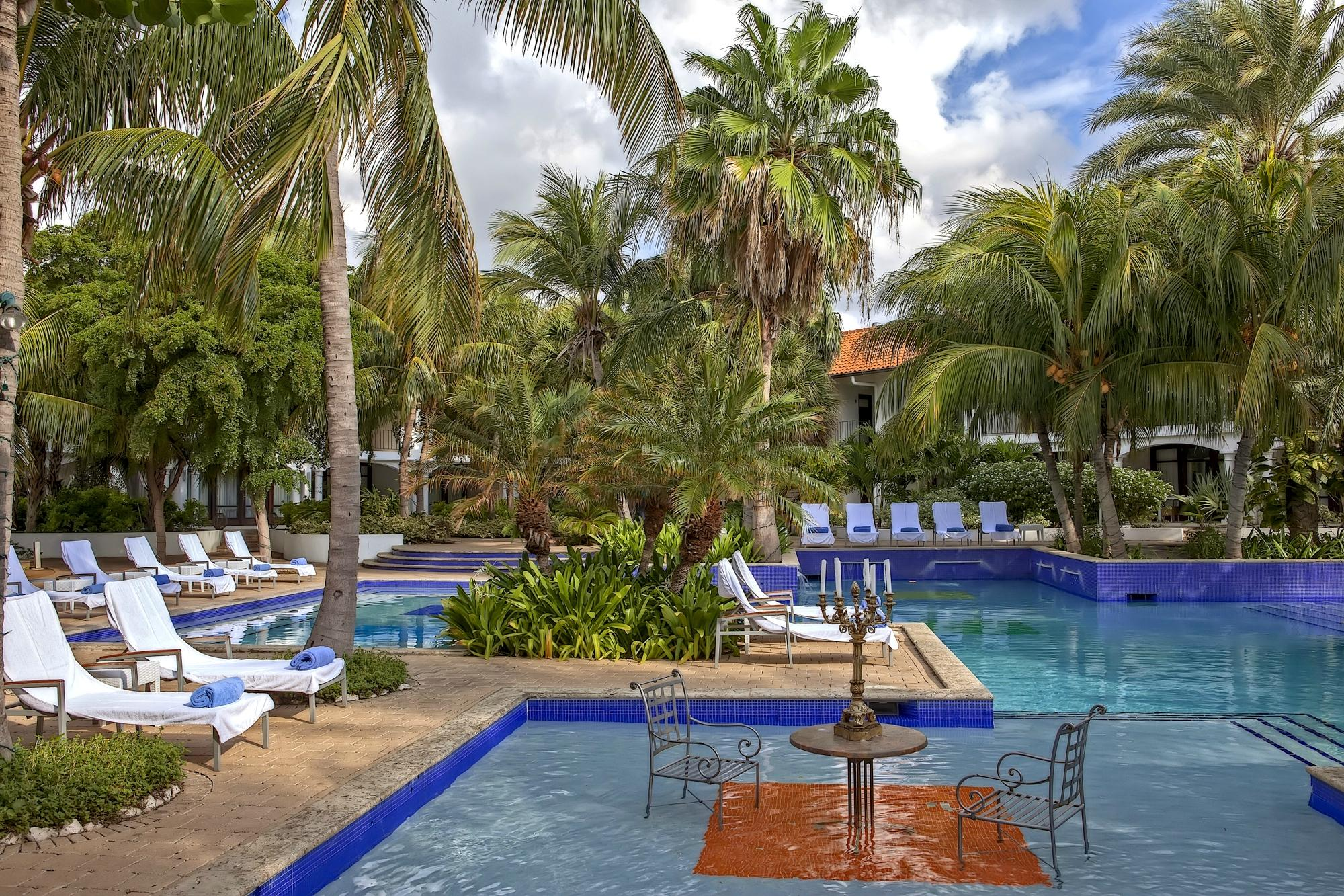 floris-suite-hotel.jpg